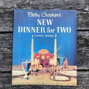 VTG Betty Crockers Dinner for two cookbook 1964